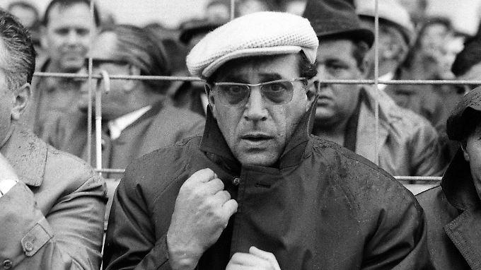 """""""Was mit uns gemacht wurde, war ein Verbrechen!"""" Max Merkel auf der Bank des 1. FC Nürnberg im Jahr 1967."""