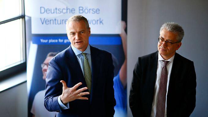 Carsten Kengeter (links) mit dem hessischen Wirtschaftsminister Tarek Al-Wazir.