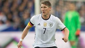 Bastian Schweinsteiger will die DFB-Elf auch zum EM-Titel führen.