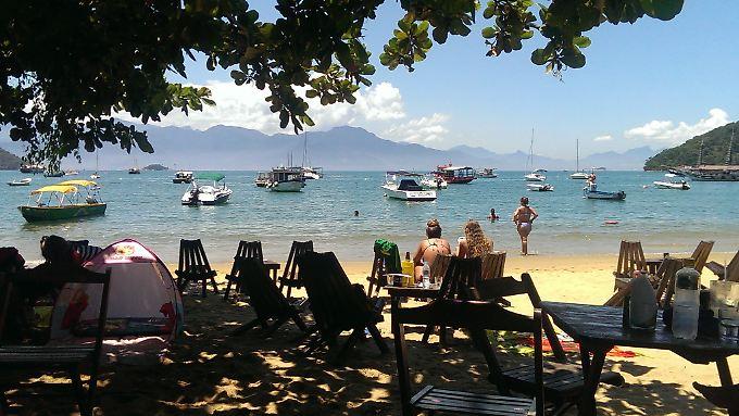 Die Touristen können auf der Ilha Grande richtig abschalten.