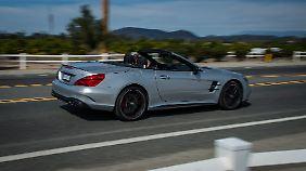 Mit optischen Verfeinerungen schickt Mercedes den neuen SL auf die Reise.