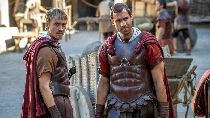 Werden sie Jesus finden? Clavius (r.) und sein Begleiter Lucius.