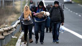 Endstation Idomeni: Nerven bei Flüchtlingen in Griechenland liegen blank