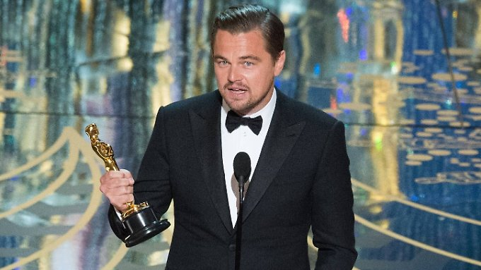 Das wurde aber auch mal Zeit: Leonardo DiCaprio mit seinem Oscar.