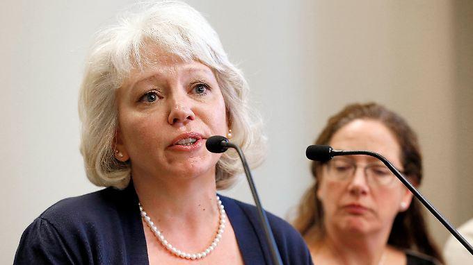 Milke auf einer Pressekonferenz im März 2015 nach der Aufhebung ihres Urteils.