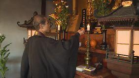 Ob sich nach ihm noch jemand um den Tempel kümmern wird, Hayakawa weiß es nicht.