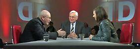 Volker Kauder (l.) und Katrin Göring-Eckardt im Gespräch mit Heiner Bremer