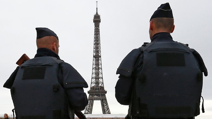 In Frankreich herrscht weiterhin der Ausnahmezustand, der den Behörden viele sonderrechte einräumt.