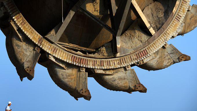 Mit dem Schaufelbagger durch die Flöze: Braunkohle-Tagebau gilt als umweltschädlich.