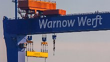Russe zieht sich zurück: Nordost-Werften gehen an Asien-Reederei