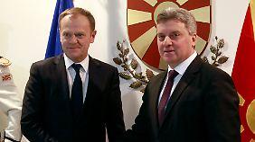 Donald Tusk, Präsident des Europäischen Rates, mit Mazedoniens Präsident Gjorge Ivanov.