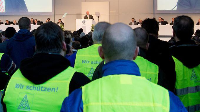 20.000 VW-Mitarbeiter kamen zur Betriebsversammlung.