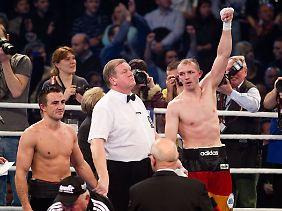 2013 hatte Brähmer das erste Duell gegen Gutknecht nach Punkten knapp gewonnen.