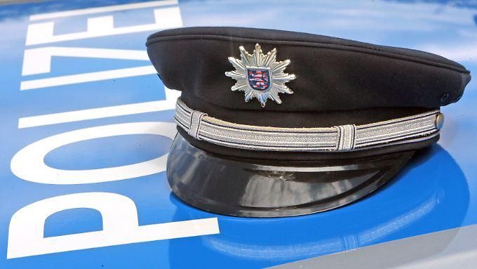 Die Polizei in Thüringen prüft einen fremdenfeindlichen Hintergrund.