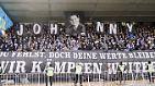 """In Darmstadt verabschiedete sich das Stadion sehr emotional von Jonathan """"Johnny"""" Heimes, der mit 26 Jahren einem Krebsleiden erlegen war."""