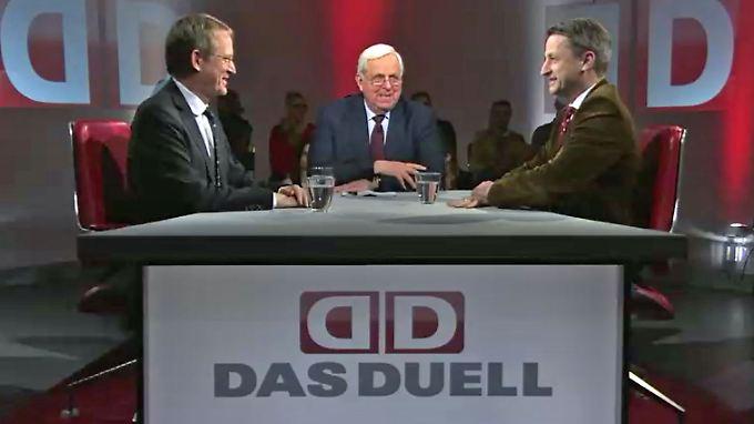 Stephan-Andreas Casdorff (l.) und Nikolaus Blome (r.) im Gespräch mit Heiner Bremer