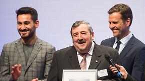Ehrengäste Gündogan und Bierhoff: DFB verleiht Integrationspreis