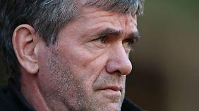 Friedhelm Funkel will bei Fortuna Düsseldorf die Leidenschaft wecken.