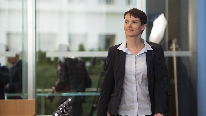 Sichtlich zufrieden am Tag nach der Wahl: AfD-Chefin Frauke Petry.