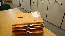 Ende der Jahn-Behörde: Kommission: Stasi-Akten ins Bundesarchiv