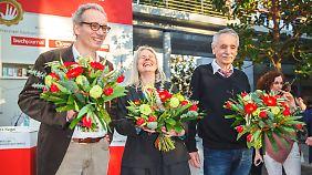 Die Gewinner des Preises der Leipziger Buchmesse: Jürgen Goldstein (l., Sachbuch), Brigitte Döbert (Übersetzung) und Guntram Vesper (Belletristik).