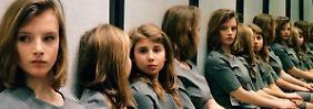 Optische Täuschung verwirrt das Netz: Wie viele Mädchen posieren hier?