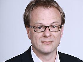 Dr. Hendrik Cremer ist wissenschaftlicher Mitarbeiter in der Abteilung für Menschenrechtspolitik des Deutschen Instituts für Menschenrechte. Seine Arbeitsschwerpunkte sind die Themen Asyl und Migration.