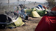 Flucht über die Balkanroute: 155.000 Flüchtlinge kamen 2016 in Bayern an