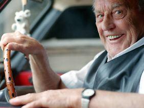 Das reine Alter ist kein Grund, die Fahrtauglichkeit eines Führerscheinbesitzers anzuzweifeln.