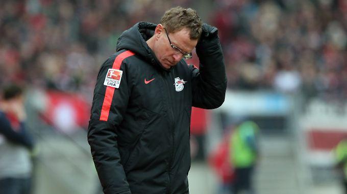 Jaja, irgendwas stimmt derzeit nicht bei RB Leipzig. Das bemerkt auch Trainer Ralf Rangnick.