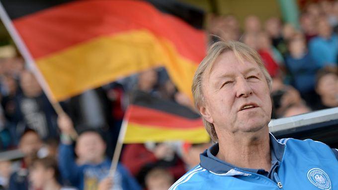 Die deutsche U21 unter Trainer Horst Hrubesch führt ihre Qualifikationsgruppe für die EM 2017 souverän an.