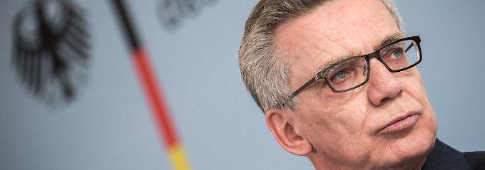 Fest entschlossen nach den Anschlägen in Brüssel: Innenminister de Maizière.