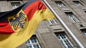Allein beim Bundesverteidiungsministeriums sollen für dieses Jahr 4200 Reisen geplant sein.