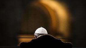 """Via Crucis am Kolosseum in Rom: Papst verurteilt """"unerhörte Gewalt"""""""