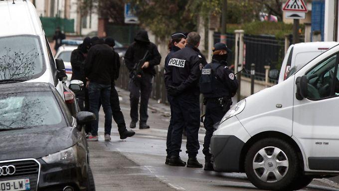 Razzia im Pariser Vorort Argenteuil.