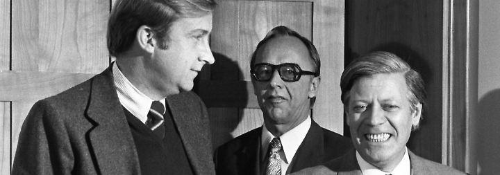 Nach der Wiedervereinigung ist Detlev Rohwedder (im Bild: 1974 mit Kanzler Helmut Schmidt) einer der mächtigsten Männer der wiedervereinigten Republik.