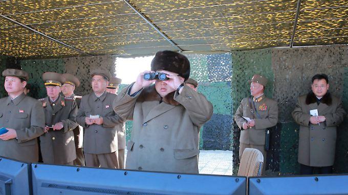 Kim Jong Un droht mit weiteren Militärschlägen.