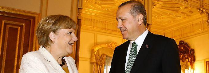 Merkel braucht Erdogan für die Lösung der Flüchtlingskrise.