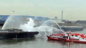 Eine Person vermisst: Zwei Menschen sterben bei Explosion in Duisburger Hafen