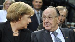 """Gedenken an Hans-Dietrich Genscher: Merkel: """"Ich verneige mich mit Hochachtung"""""""