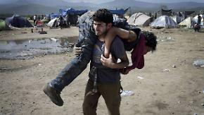 Gewalteskalation an der Grenze: Mehr als 300 Flüchtlinge in Idomeni verletzt