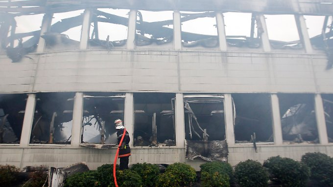 Ermittler fanden Brandsätze im abgebrannten Schulgebäude.
