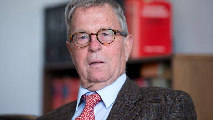 Sein Vater war selbst Nazi-Opfer, sagte von Sprenger einem Medienportal.