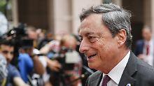 Kritik an Niedrigzinsen: Draghi kann nicht anders