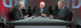 Beckstein (l.) und Trittin (r.) im Gespräch mit Heiner Bremer.