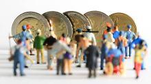 Wenig Lohn, wenige Rechte: Wie Minijobber benachteiligt werden