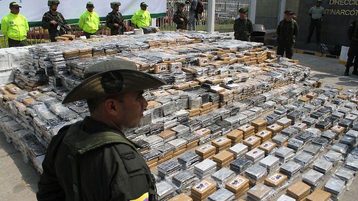 Beschlagnahmtes Kokain im Hafen von Cartagena. Hier koordiniert die kolumbianische Marine ihre Einsätze.