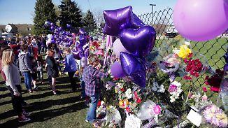Besondere Geschenke für die Fans: Familie und Freunde nehmen Abschied von Prince
