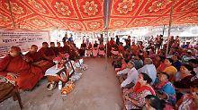 """""""Wo sind all die Spenden hin?"""": Nepal erinnert an Opfer von Erdbeben"""