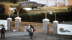 Das Eingangstor der Colonia Dignidad im Jahr 1988.